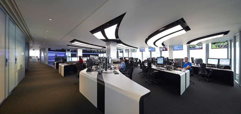 Veech-x-Veech_Al-Jazeera-Studio_The-Shard_London_020w
