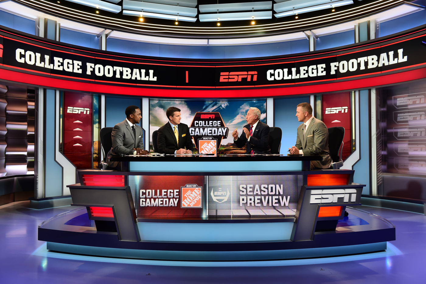 ncs_espn-studio-f-set-design_0006
