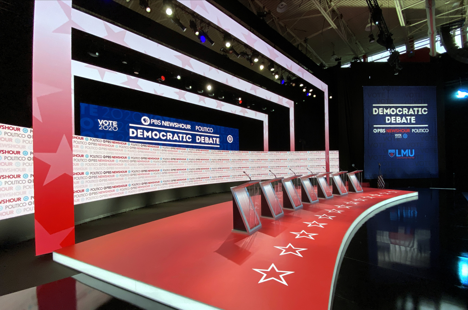NCS_PBS-NewsHour_Politico_Democratic-Debate_003