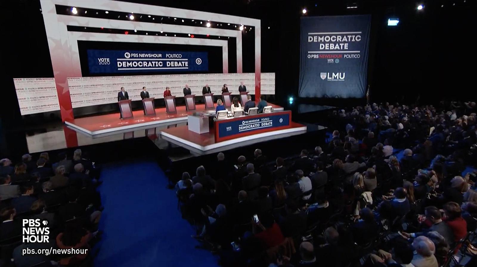 NCS_PBS-NewsHour_Politico_Democratic-Debate_008
