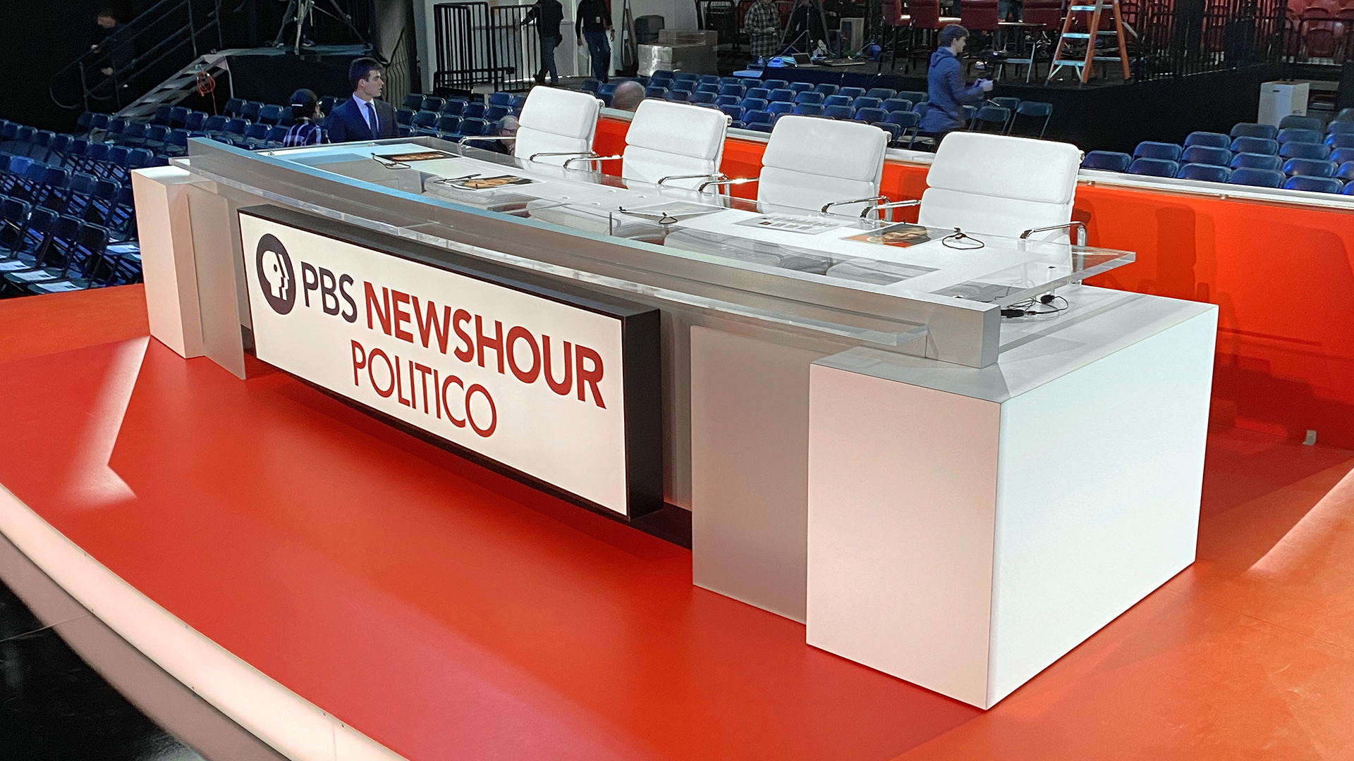 NCS_PBS-NewsHour_Politico_Democratic-Debate_014